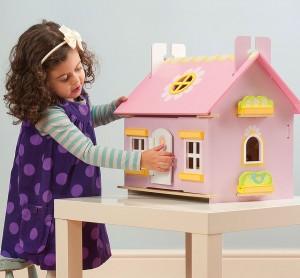 Кукольные домики для маленьких принцесс