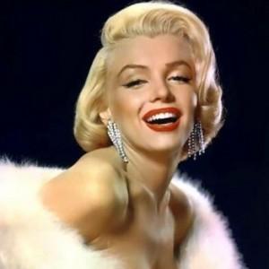 Блондинки - эпатажные, легендарные, мифические ...